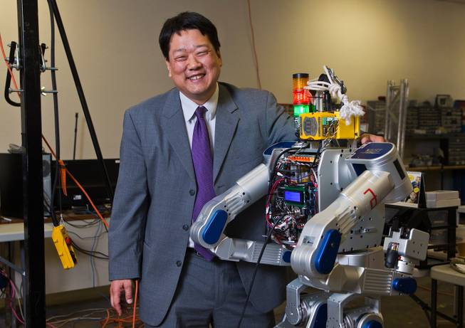 UNLV Robot Lab with Paul Oh (Las Vegas Sun)